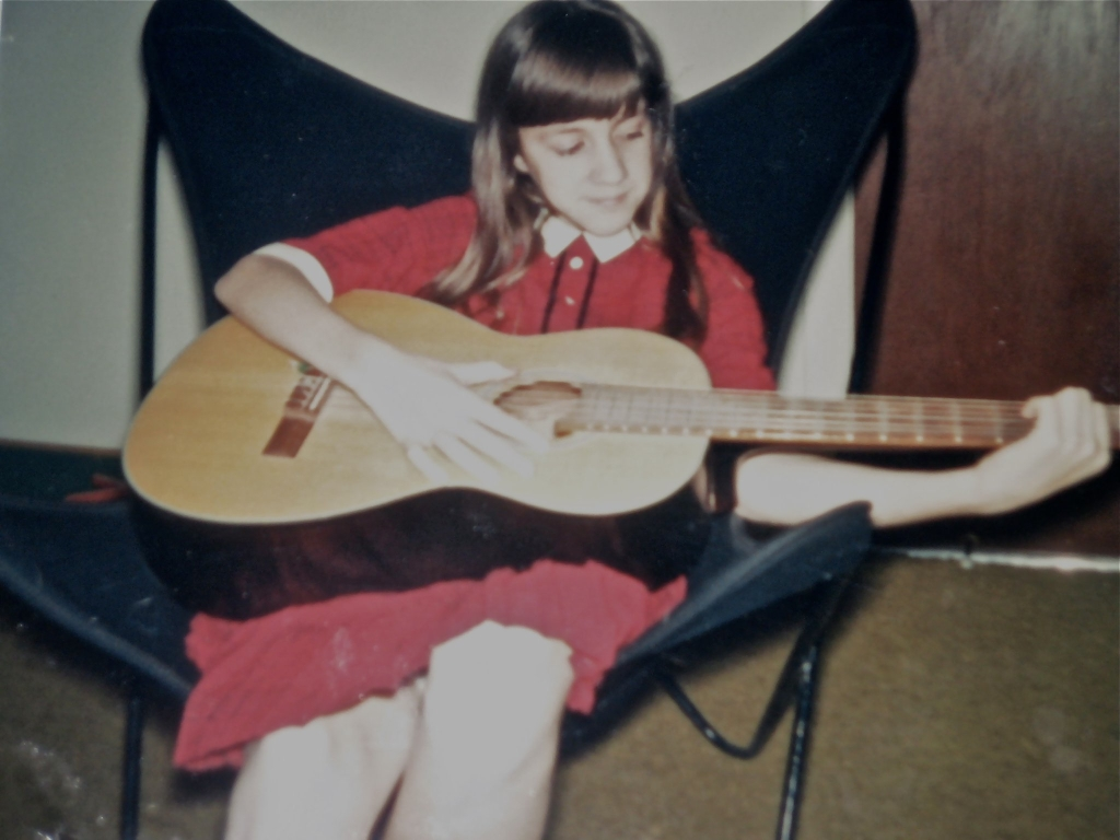 The 6th grade me. Tom Dooley was my first song. And, hey, remember those chairs!